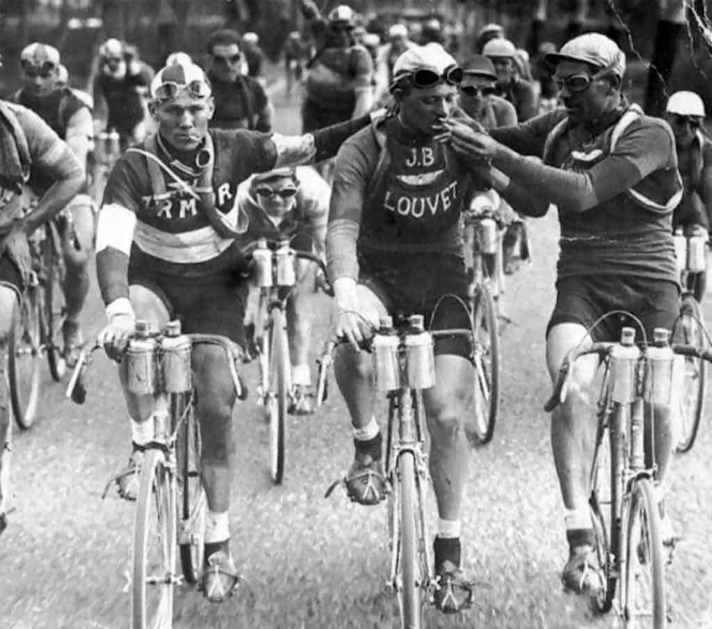Tour de France - papierosy na starcie. Luźno Przy Kawie - odcinek 104 - Odłóż telefon.